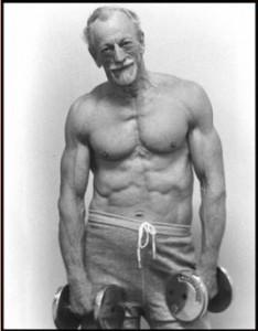 """""""John Turner, a los 67 años, levantador de peso"""""""